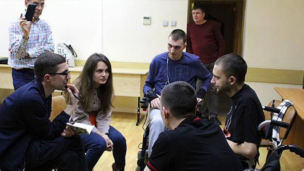 Participants interview patients