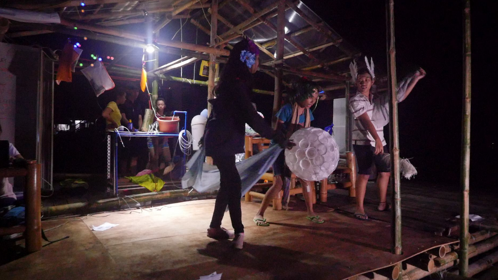 Tapok performing